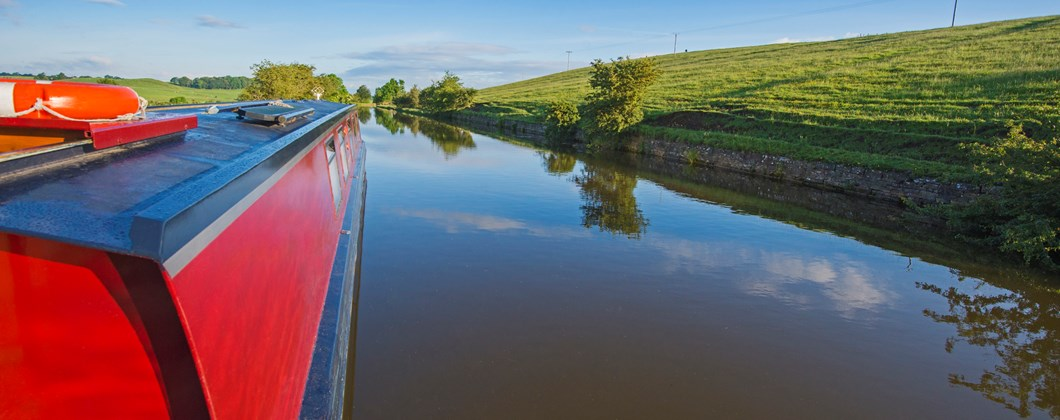 narrowboat on the inland waterways